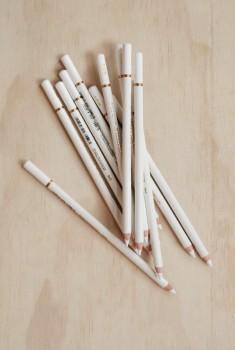 Hvid kul blyant, hård, 4